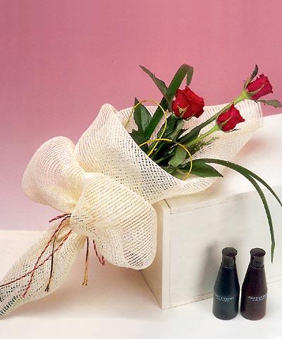 3 adet kalite gül sade ve sik halde bir tanzim  Eryaman Ankara ucuz çiçek gönder