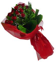 Ankara Eryaman yurtiçi ve yurtdışı çiçek siparişi  10 adet kirmizi gül demeti