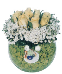 Eryaman çiçek siparişi hediye çiçek yolla  9 adet beyaz gül cam yada mika içerisinde