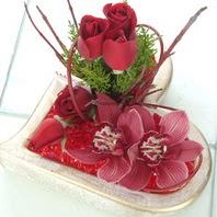 Eryaman çiçek siparişi hediye çiçek yolla  2 kandil orkide 3 adet kirmizi gül mika kalp