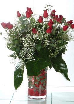 Ankara Eryaman çiçek siparişi vermek  11 adet kirmizi gül ve cam yada mika vazo tanzim
