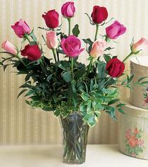 Eryaman çiçekçi ankaraya çiçek yolla çiçekçiler  12 adet karisik renkte gül cam yada mika vazoda