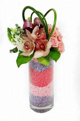 Eryaman çiçekçi  çiçek , çiçekçi , çiçekçilik  3 kandil orkide 7 adet gül cam yada mika vazoda