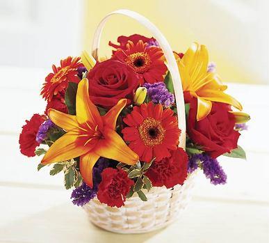 Eryaman çiçek siparişi hediye çiçek yolla  Sepet içerisinde mevsim çiçekleri