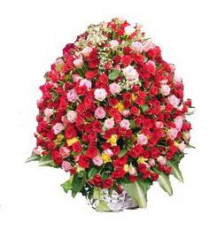 Eryaman ankaradaki internetten çiçek siparişi  365 gün 365 güne özel gül sepeti