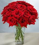 Eryaman çiçekçi telefonları eryaman çiçek  Sevdiklerinize özel ürün 12 adet cam içerisinde kirmizi gül  Eryaman çiçek gönderme online çiçekçi
