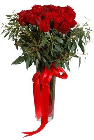15 adet kirmizi gül cam vazo içerisinde  Eryaman çiçekçi  çiçek , çiçekçi , çiçekçilik