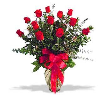 çiçek siparisi 11 adet kirmizi gül cam vazo  Ankara Eryaman çiçek mağazası , çiçekçi adresleri