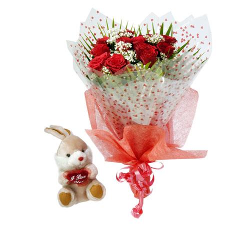 10 adet kirmizi gül buketi ve hediye oyuncak  Eryaman çiçekçi ankaraya çiçek yolla çiçekçiler