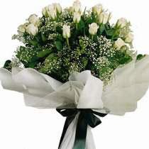 Ankara Eryaman hediye sevgilime hediye çiçek  11 gül buketi özel tanzim