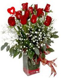 ankara çiçekçi Eryaman çiçekçi mağazası  9 adet mika yada cam vazoda gül tanzimi kalp çubuk