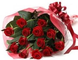 Çiçek yolla Eryaman 14 şubat sevgililer günü çiçek  10 adet kipkirmizi güllerden buket tanzimi