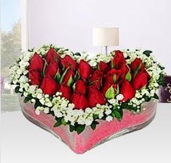 Kalp içerisinde 10 adet kırmızı gül  Çiçek yolla Eryaman 14 şubat sevgililer günü çiçek