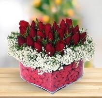 15 kırmızı gülden kalp mika çiçeği  Eryaman çiçek gönderme sitemiz güvenlidir