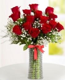 10 kırmızı gül cam vazo içerisinde  Eryaman çiçek gönderme online çiçekçi