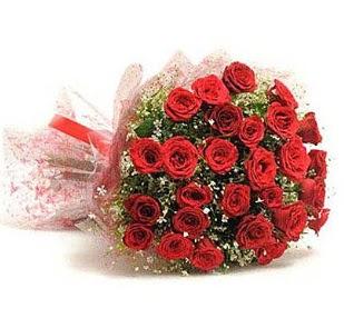 27 Adet kırmızı gül buketi  Ankara Eryaman çiçek yolla