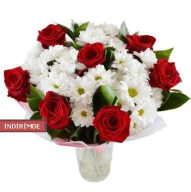 7 kırmızı gül ve 1 demet krizantem  Ankara Eryaman yurtiçi ve yurtdışı çiçek siparişi